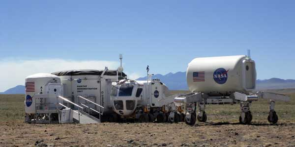The USGS assists the DRATS (NASA's Desert Rats) in training operations